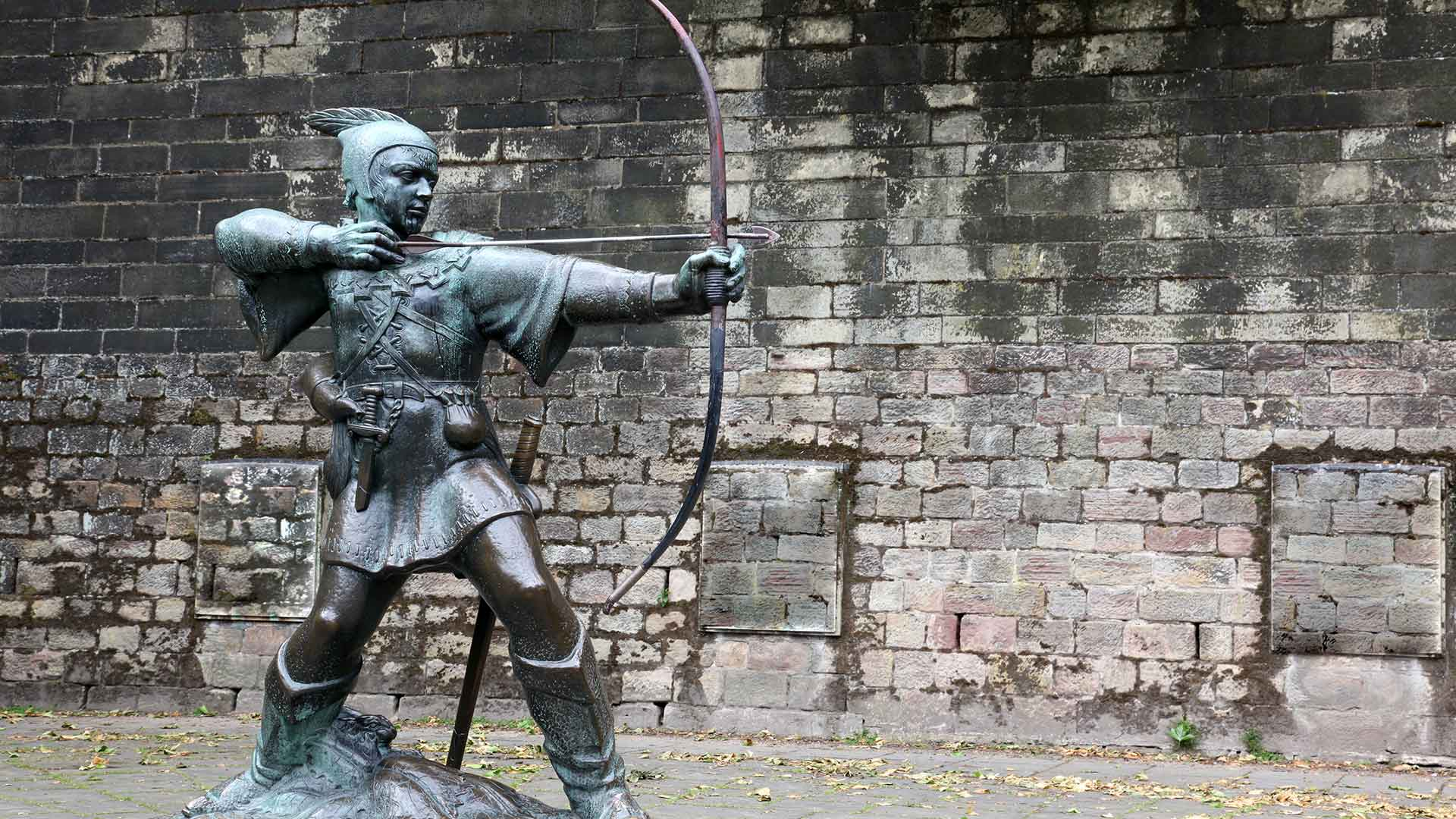 Statue of Robin Hood Nottingham Castle