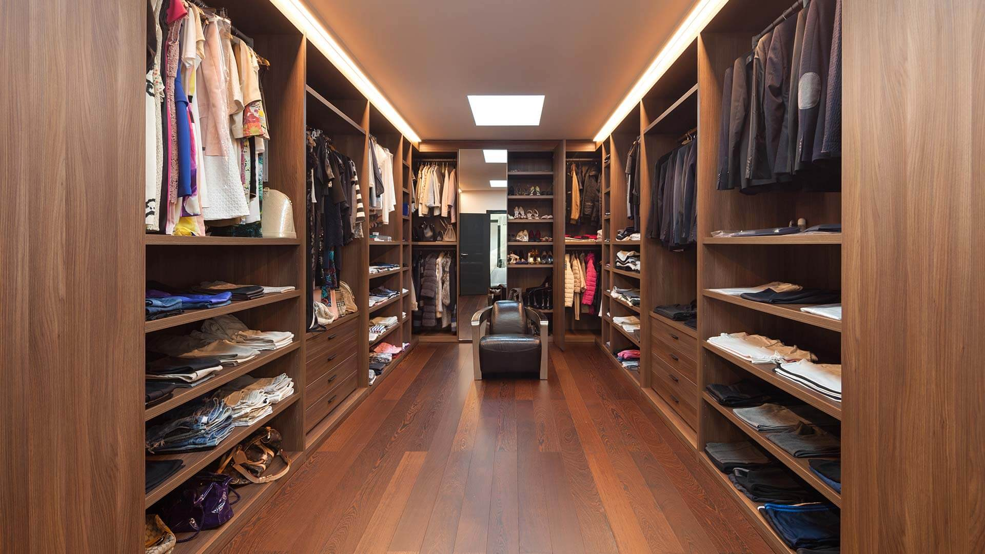 how to create your own walk in wardrobe. Black Bedroom Furniture Sets. Home Design Ideas
